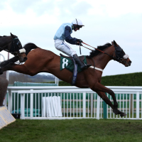 Missed Approach clears the last in front in the Kim Muir